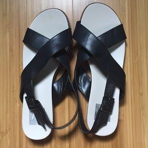 NWOT Dolce Vita black sandals